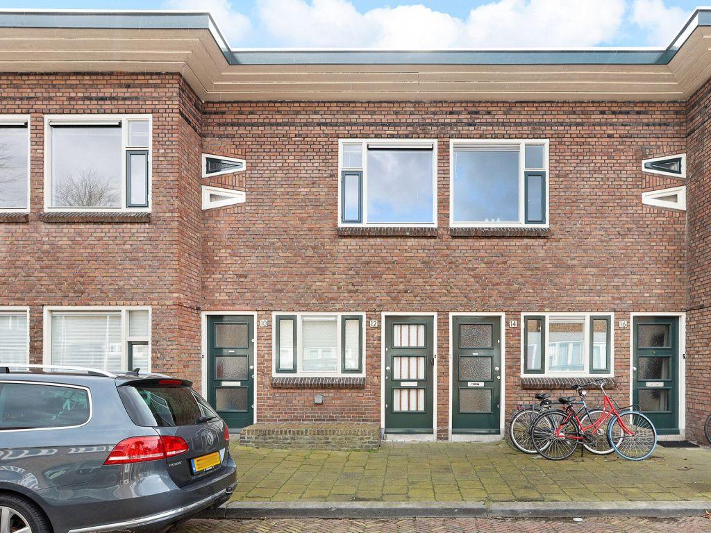 j-d-van-der-waalsstraat-12-3514gv